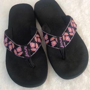 Reef black flip flops. Size 7